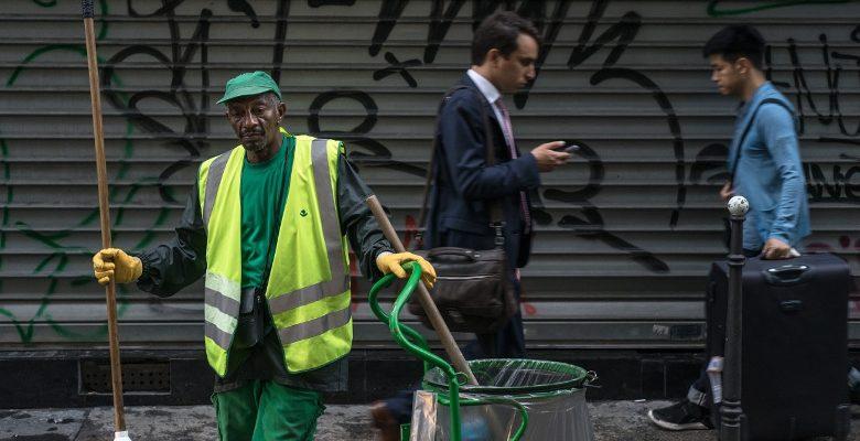 Le photographe Florent Quint met en avant le travail des éboueurs de Paris